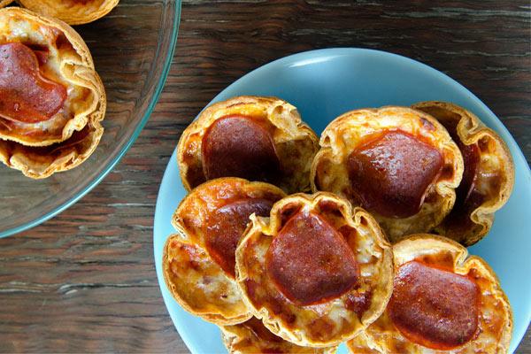 Atıştırmalık Minik Pizzalar