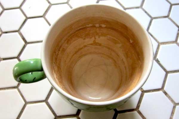 kahve-lekeleri-nasil-cikar1