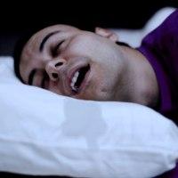 ما هي أسباب سيلان اللعاب أثناء النوم ؟