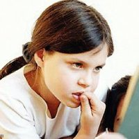 هل تعلم أن قضم الأظافر اضطراب عقلي