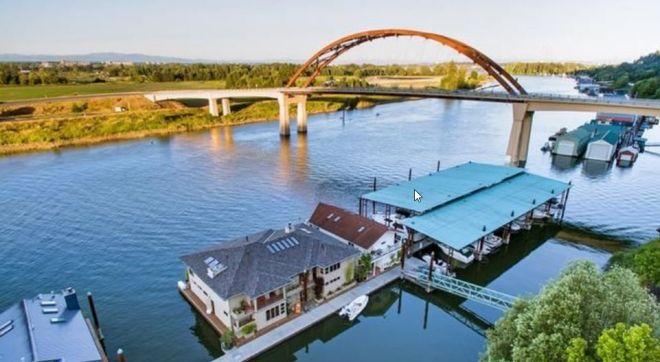 Floating Homes | Hayden Island