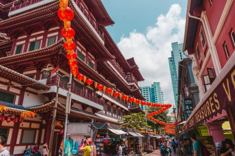 Visit Singapore on a budget and do a free walking tour through Chinatown.