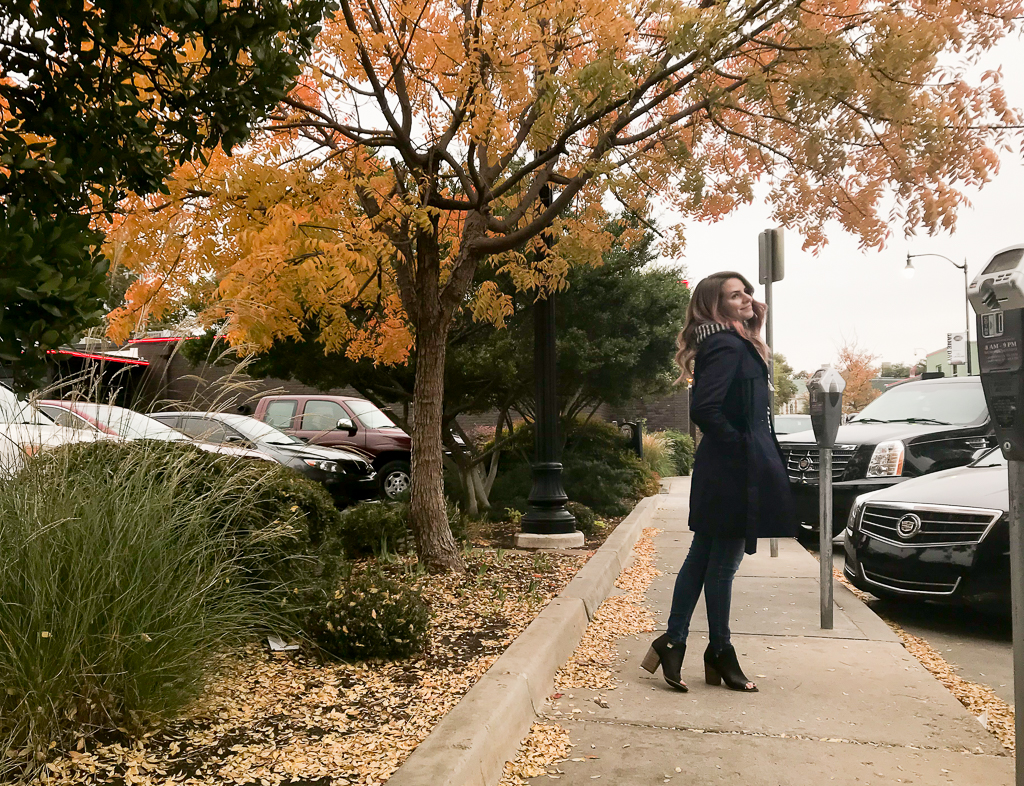 1 Minute Fashion: Trench Coat for Fall