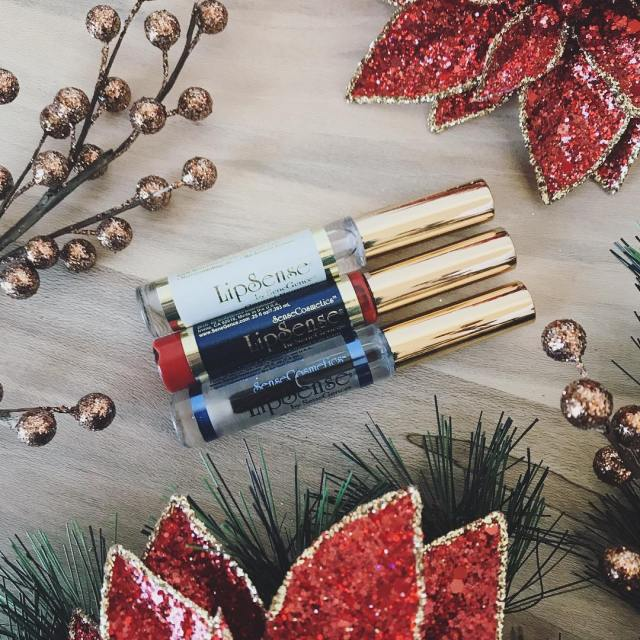 HOLIDAY LIPS GIVEAWAY!!!! Want some beautiful longlasting smudge proof holidayhellip
