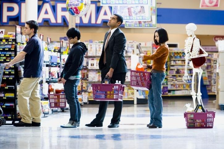 Cómo elegir la cola más rápida en el supermercado
