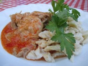 Paprikás csirke bográcsban 1