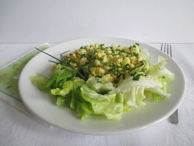 Tojásos nokedli salátával