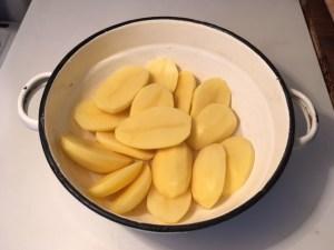 Tisztított felezett krumpli