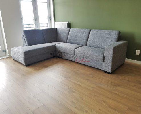 Kleine hoekbank met loungestuk