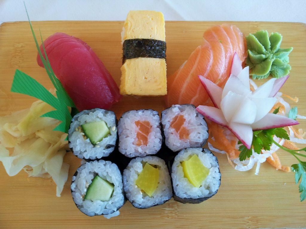 sushi-142579_1920
