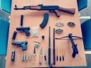 Politie vindt na tip wapenarsenaal in woning Wieringerwerf