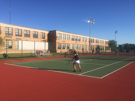 Girls' tennis strives for state