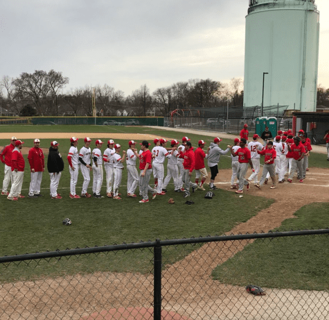 Baseball team loses close game to LT