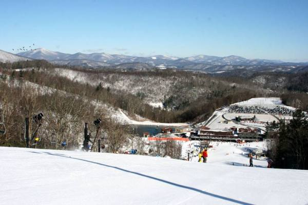 Calm, clear skies are expected during the MLK holiday weekend. Photo courtesy App Ski Mtn.