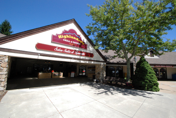 Highlander's Grill & Tavern Provides Electric Entertainment