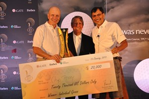 iGate CEO Cup winner Chip Perry, CEO of Autotrader, with Gary Player and Phaneesh Murthy, CEO of iGATE.