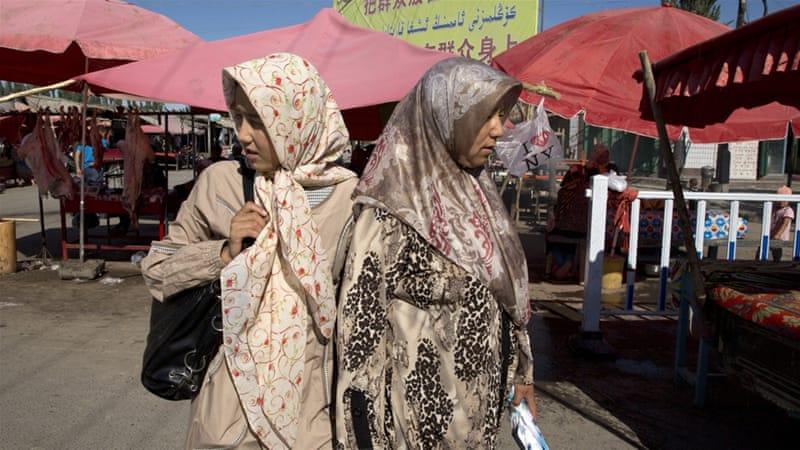 Shiinaha Oo Muslimiinta Gobolka Xinjiang Ka Joojiyey Inay Soomaan Bisha Ramadaan