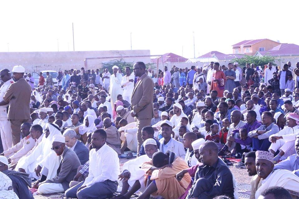 Madaxweyne Ku Xigeenka Somaliland Oo Salaadii Ciidal Fidrida La Tukaday Dadweynaha Xaafadaha Masalaha
