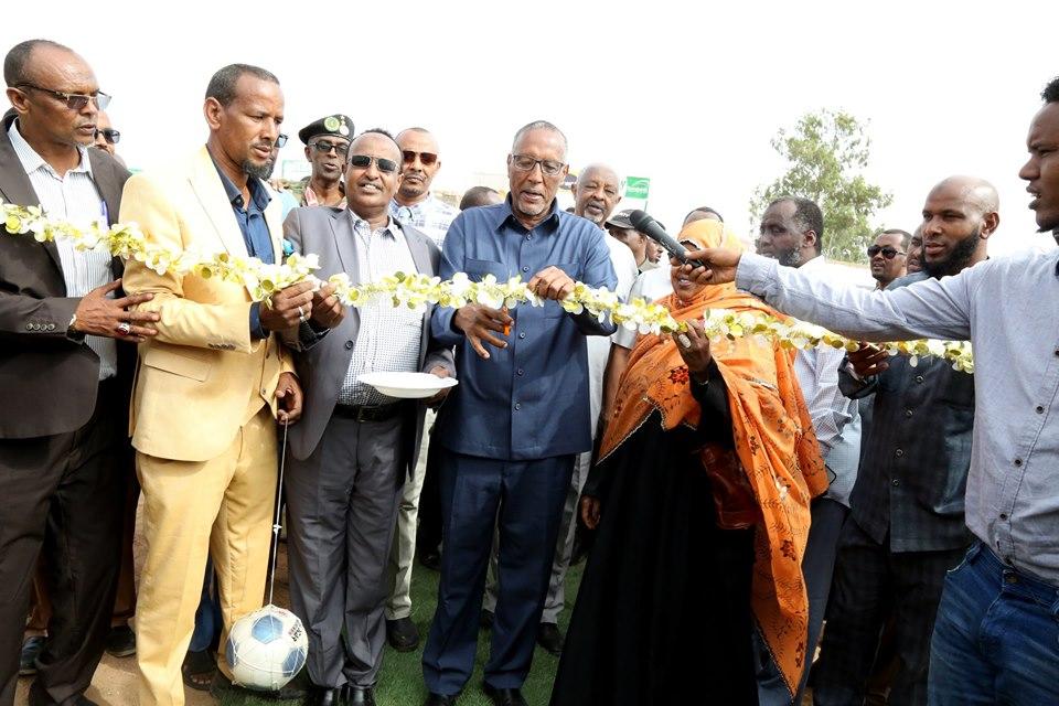 Burco: Madaxweynaha Somaliland Oo Kormeer Iyo Xadhig Ka-jaris Ku Sameeyey Mashaariic Kala Duwan