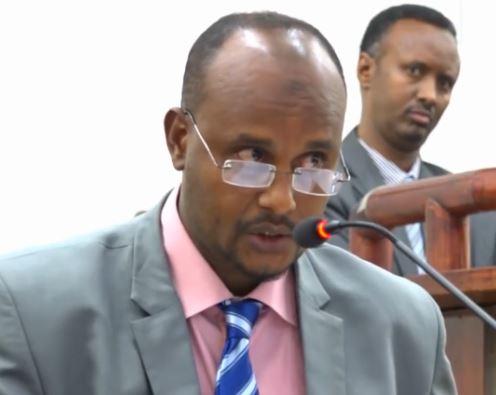 """""""Dawladda Xamar Waxay Ka Codsatay Maraykanka, UK & IMF, In Somaliland La Joojiyo Lacagta.."""" Wasiir Hore"""