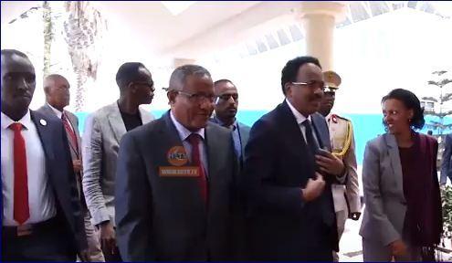 Madaxweyne Farmaajo Oo Safar Uu Ugu Maqnaa Addis Ababa Ka Soo Laabtay