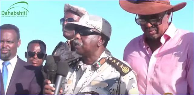 Maareeyaha Dekedaha Iyo Taliyaha Ciidamada Ilaalada Xeebaha Oo Safar Badda Ah Ku Tagay Galbeedka Somaliland