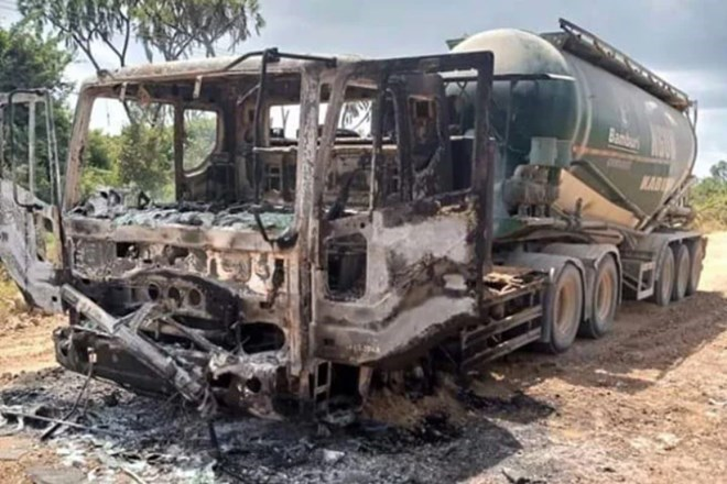 Al-Shabaab Oo Gubay Gaadiid U Rarnaa Shirkaddo Ganacsi Oo Kenya Laga Leeyahay
