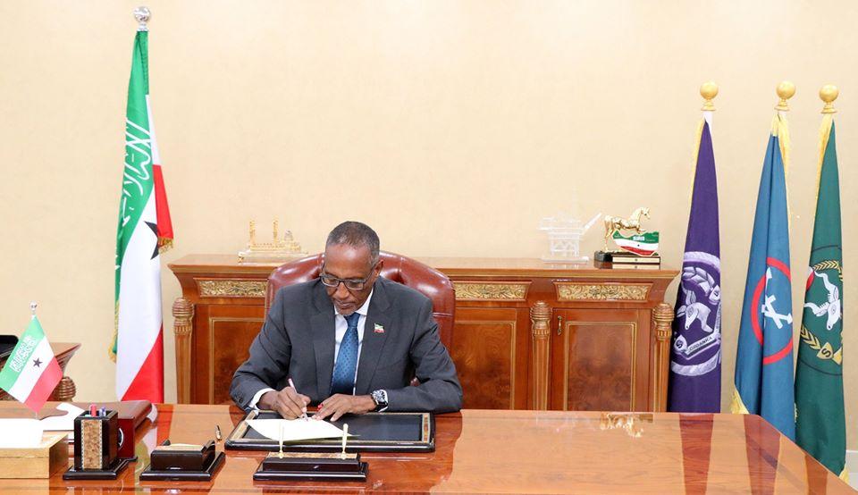 Madaxweynaha Somaliland Oo Cafis Guud U Fidiyey Maxaabiista Dambiyada Fudud