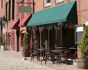How to Enhance Your Restaurant's Outdoor Dining Setup