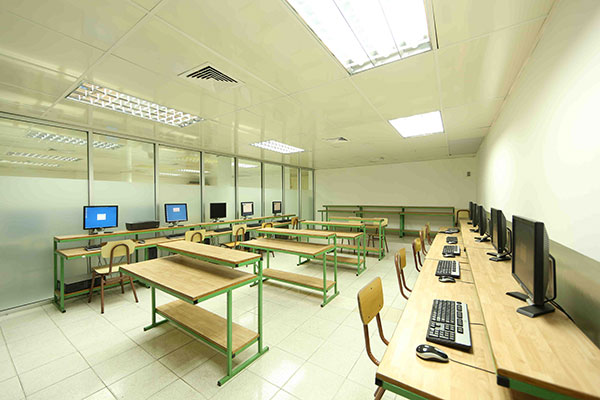 2.Salon-de-computos1