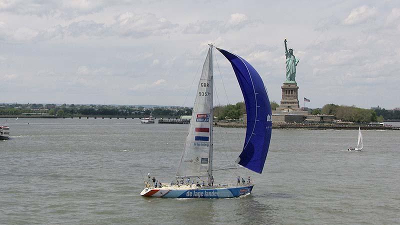 DeLage-Landen sailing into NY City