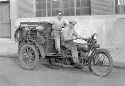 1927 Harley-Davidson JD with Cygnet Rear Car