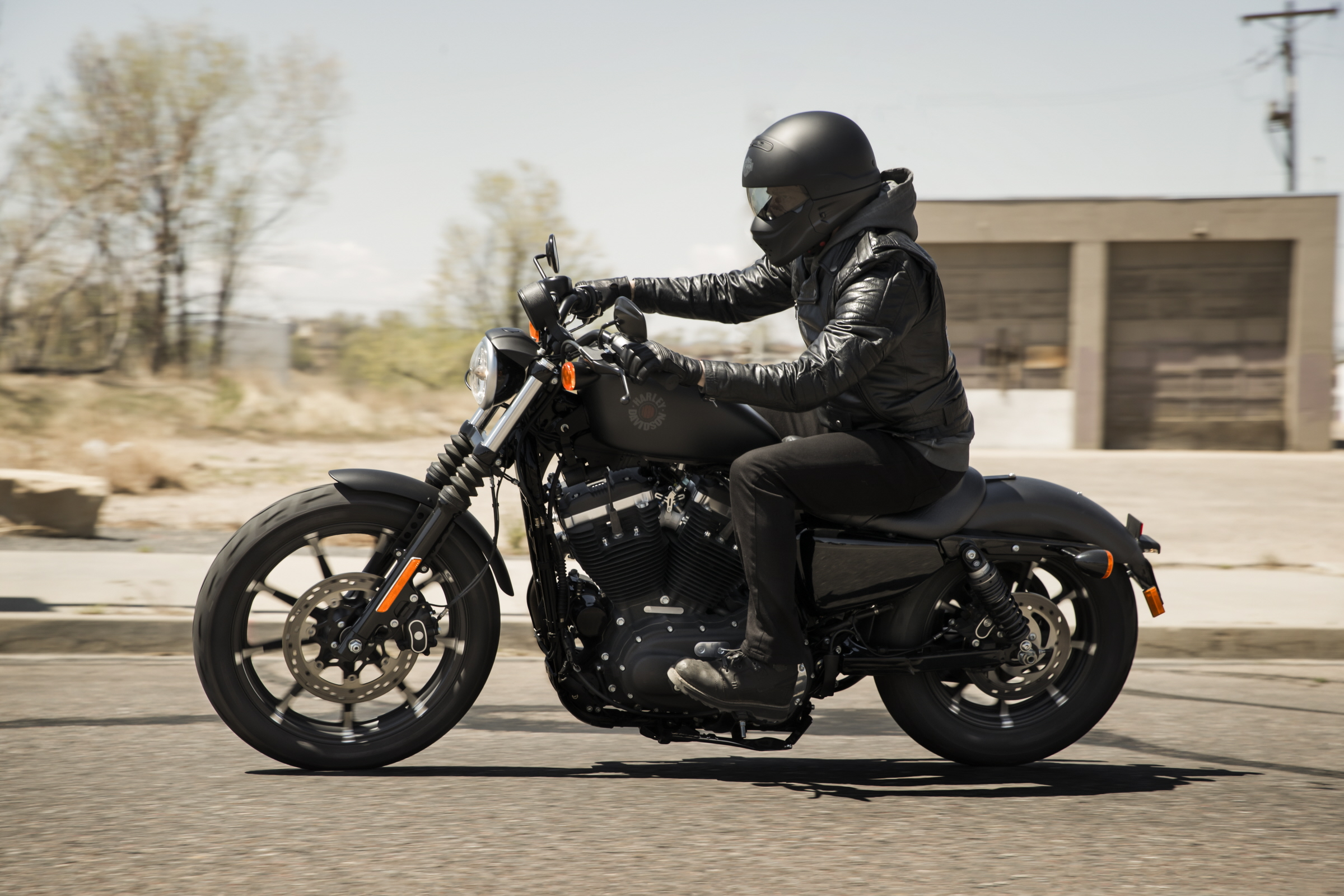 Harley Dealers in India Include Riding Gear With New