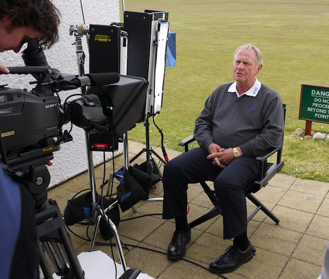jack-nicklaus-to-camera