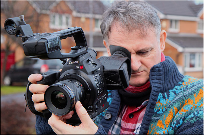 This is the best £100 you will spend for your Canon C100 a 3u2033 Hoodman Loupe with a 4u2033 Hood Riser. The one thing that had me in a tiz using the ... & HD Warrior » Blog Archiv » Canon C100 with Hoodman Loupe and 4 ... azcodes.com
