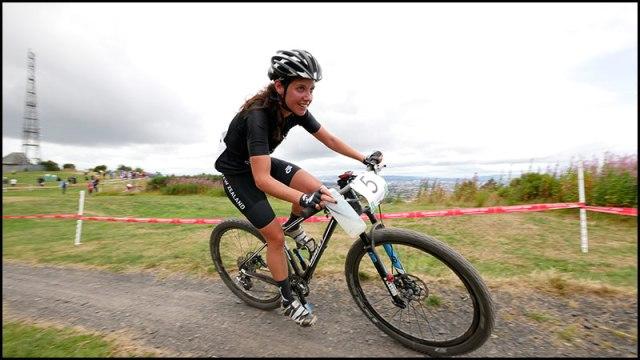 lady-mountain-biker