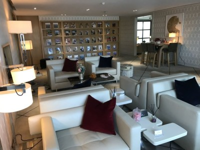 first-class-lounge-city-airport-jet-centre-magazines