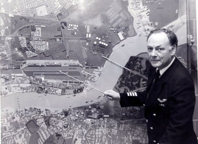 london-city-airport-captain-harry-ghee-with-map-1980s