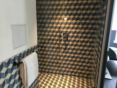 Kimpton De Witt Amsterdam review bathroom