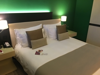 Crowne Plaza Geneva review bedroom