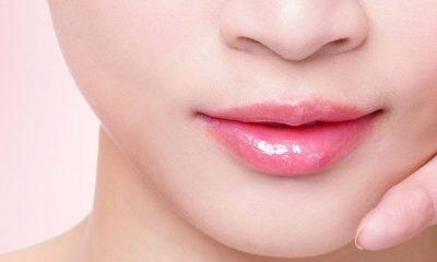 dark skin around the lips