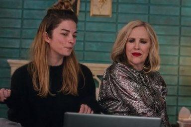 "Annie Murphy as Alexis and Catherine O'Hara as Moira in the Schitt's Creek episode ""Sunrise, Sunset"""