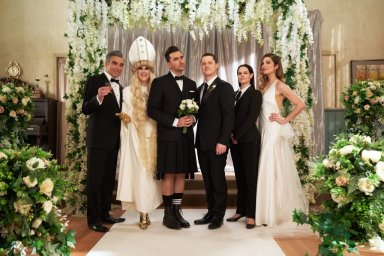 "The cast of Schitt's Creek in the series finale ""Happy Ending"""