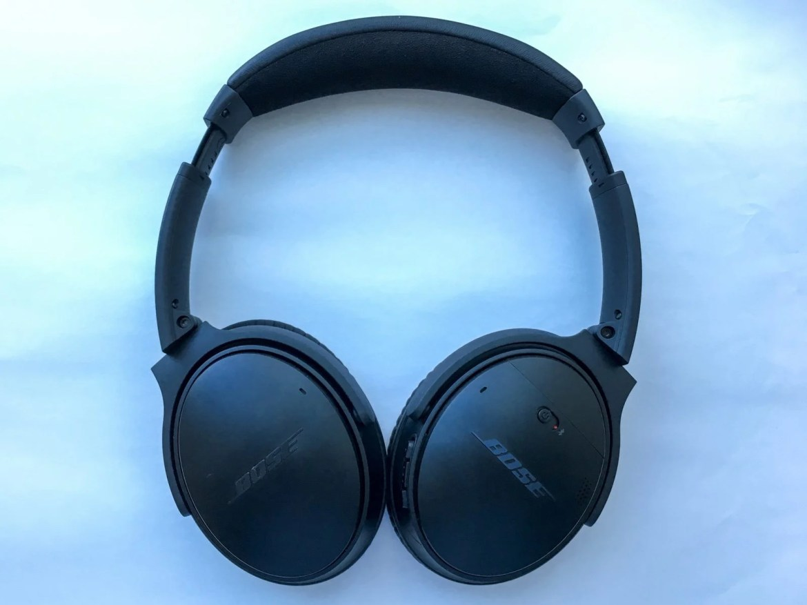 Front of Bose QC 35