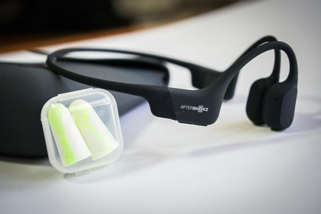 AfterShokz Aeropex with the provided earplugs