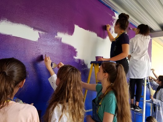 students working on the Parkland Art Mural Project