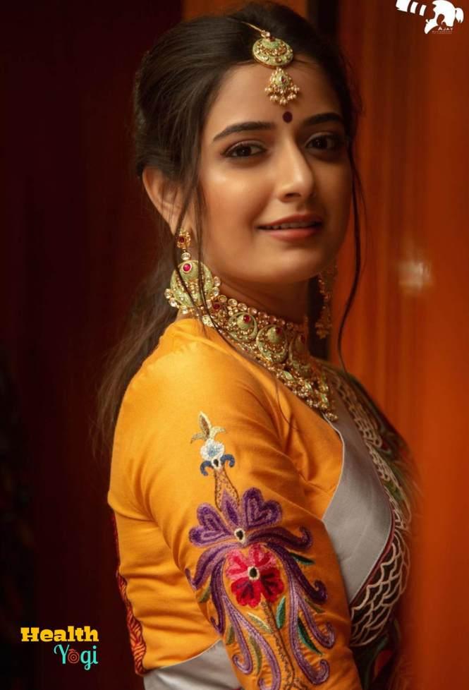 Ashika Ranganath Beautiful HD Photo