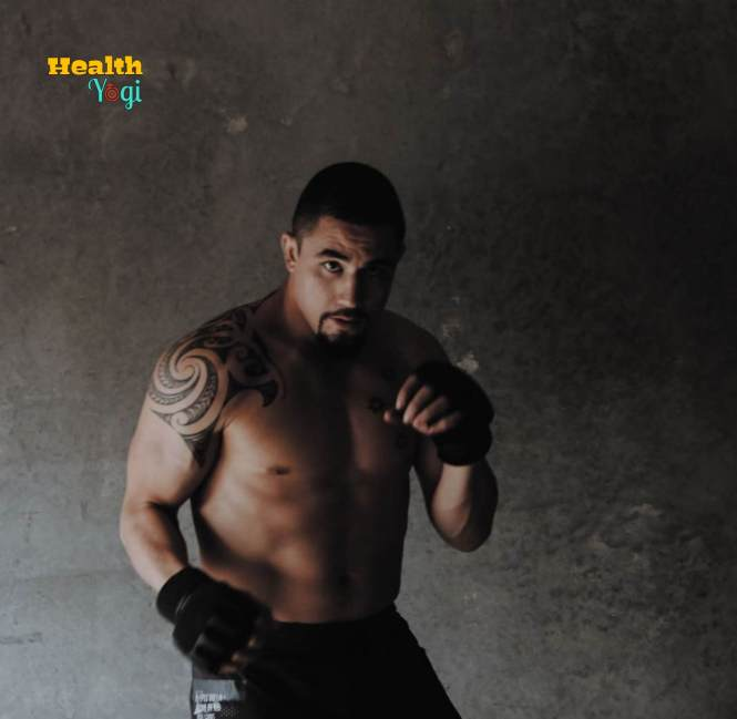 Robert Whittaker instagram body Photo
