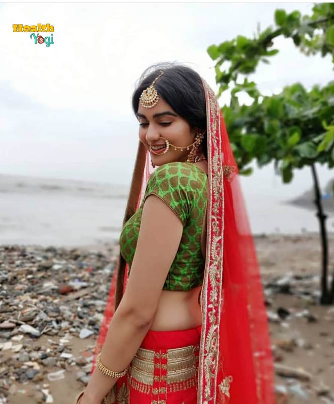 Adah Sharma In Saari HD Photo