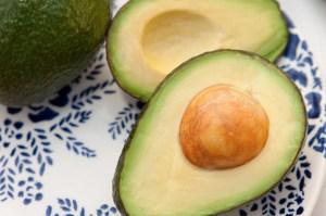 avocado-713094_1920